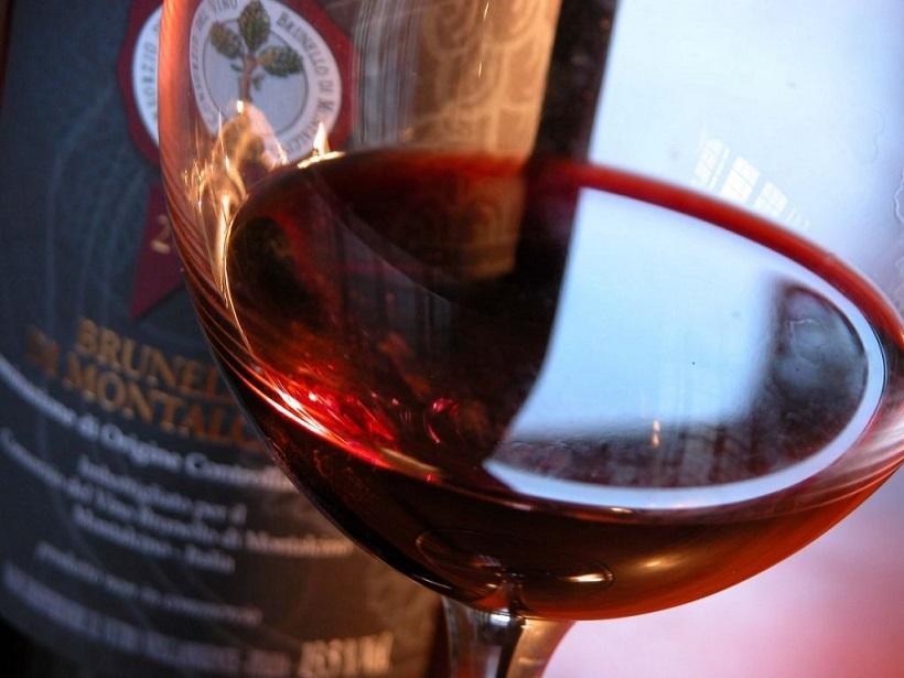 vino brunello di montalcino asia