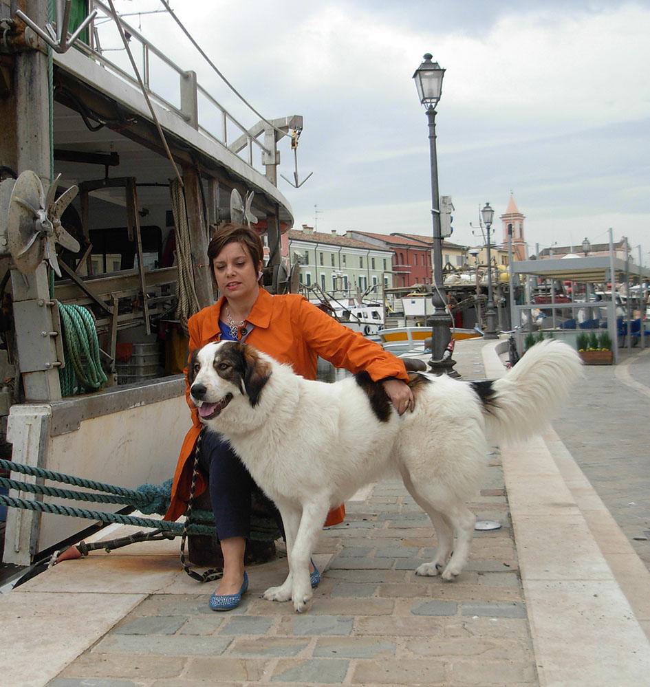 La Sig.ra Simona Borgatti con la sua femmina di razza Tornjak
