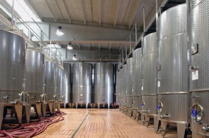 serbatoi acciaio fermentazione vino uva
